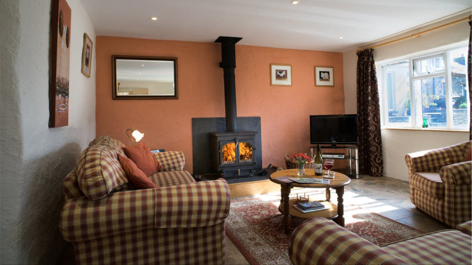 COTHI-COTTAGE-LOUNGE