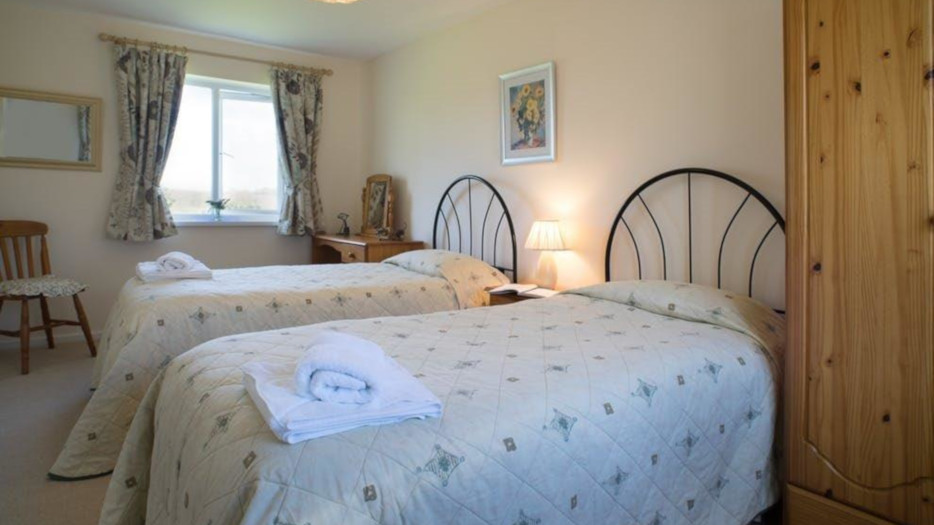 COTHI-COTTAGE-TWIN-BEDROOM
