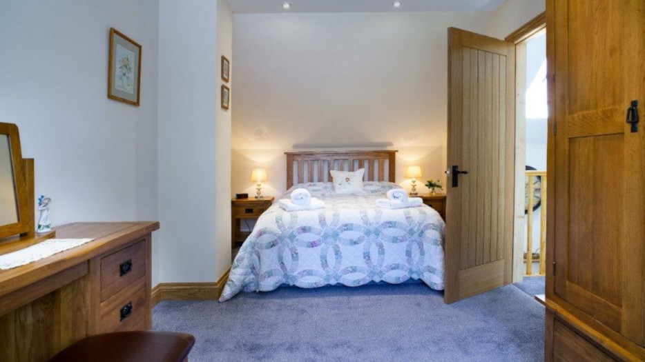 Cych-cottage-master-bedroom