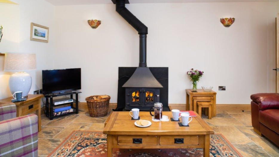 Teifi-cottage-lounge
