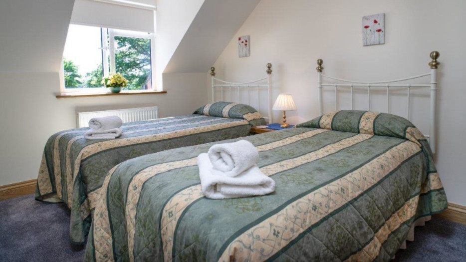 Teifi-cottage-triple-bedroom
